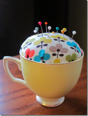 teacup_pincushion2