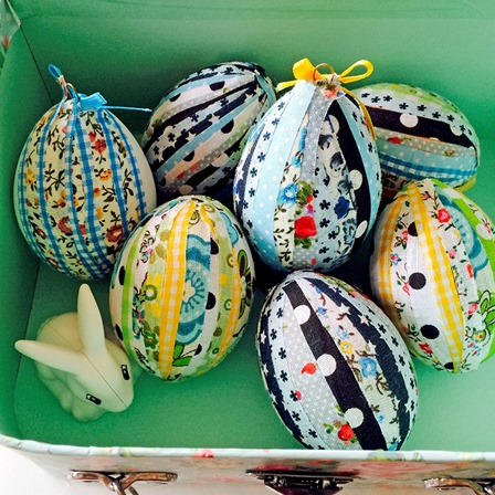 No Sew Patchwork Easter Eggs from Pillar Box Blue
