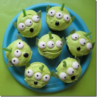 ico_pre_fam_recipes_toy_alien-cupcakes-photo-260-MB-tscupcakebeauty4