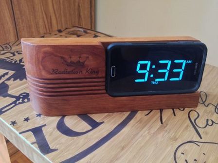 Retro Inspired Phone Dock from luca8theworld on Instructables