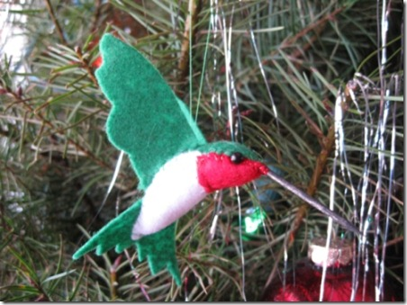 hummingbird-felt-ornament