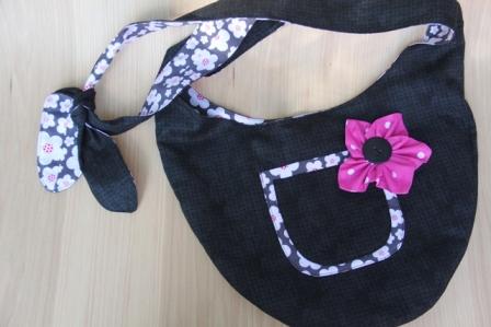 黑色和花朵单肩包-CraftyStaci