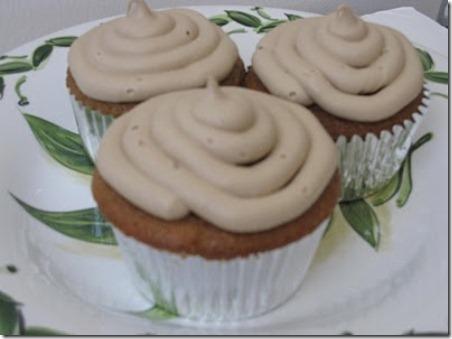root beer cupcakes 1