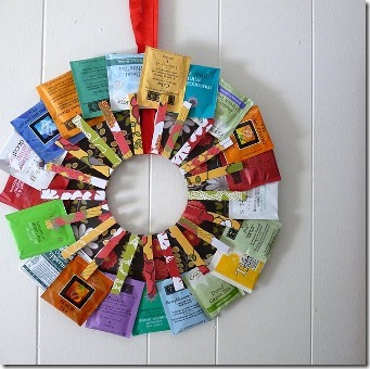Dollar Store Crafts的茶花环