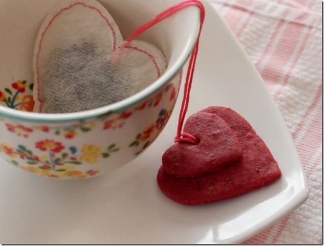 Handsewn Teabags Tied to Yummy Cookies by Merriment Design