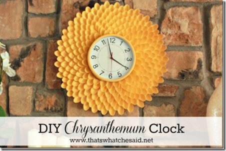 Chrysanthemum-Clock-from-Plastic-Spoons_thumb