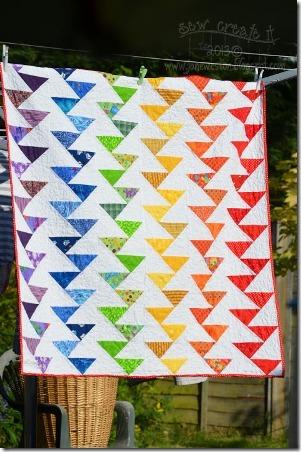 彩虹从缝制迁移鹅被子创建它