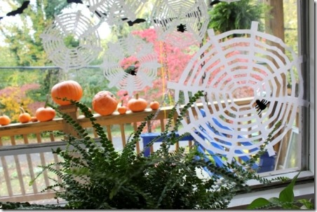 The Artful Parent的咖啡过滤器中的蜘蛛网