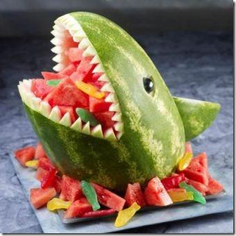 西瓜鲨鱼被一匙