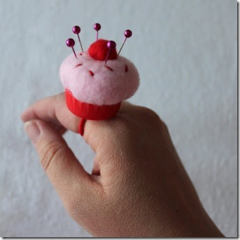 Mini Cupcake Pincushion Ring from Obsessively Stitching