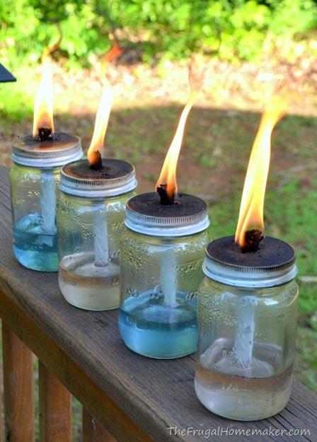 节俭家庭主妇的梅森·贾·蒂基(Mason Jar Tiki)火炬