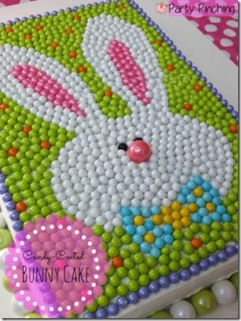 派对涂糖果涂层的探球网兔子蛋糕