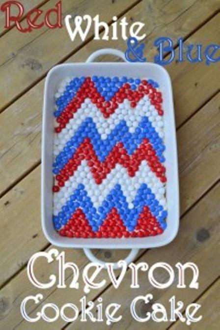 Cookin女牛仔的红色白色和蓝色雪佛龙饼干蛋糕