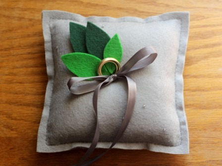 DIY Ring Pillow from Elephantine