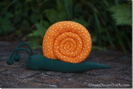 Stuffed Snail by Cook Clean Craft