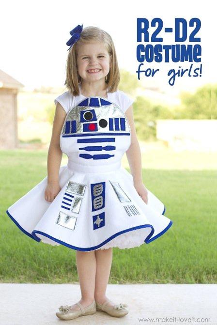 """R2-D2服装的女孩来自""""喜欢它""""和""""喜欢它"""""""