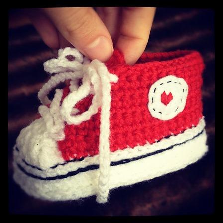 来自Suzanne Resaul的钩针编织婴儿短靴