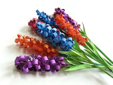 DIY从Muhaiminah Faiz上的可旋转纸花