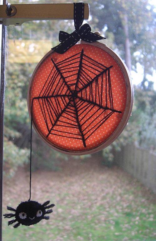 缝制涂鸦者的Dangly蜘蛛缝图片