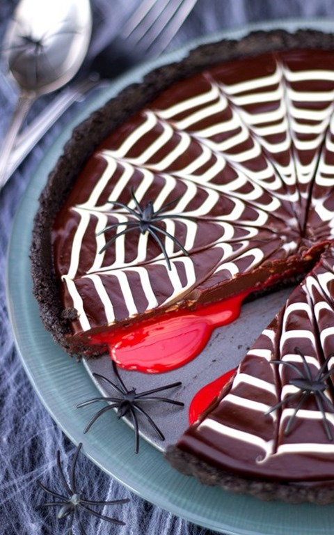 No Bake Bloody Spider Web Chocolate Tart from Kitchen Mason