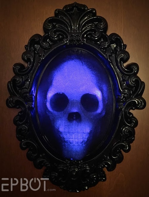 Spooky Glowing Skull Frame from Epbot