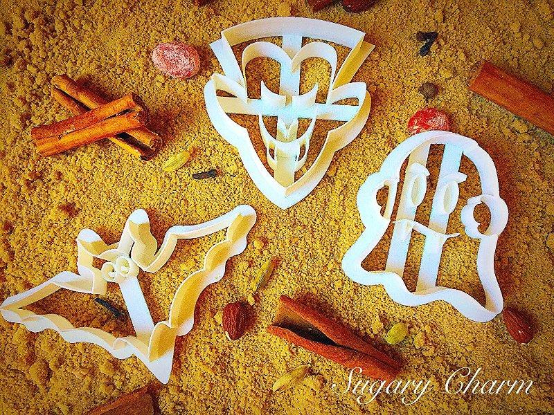 Halloween Vampire Cookie Cutter Set from SugaryCharm on Amazon.jpg