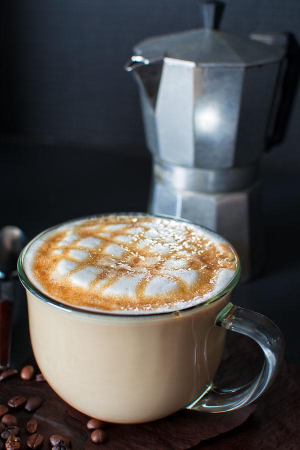 Copycat Starbucks Caramel Macchiato from Cooktoria