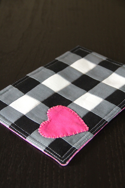 Buffalo Check Mug Mat with Heart