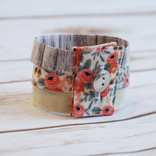 Tutorial: Scrap fabric cuff bracelet