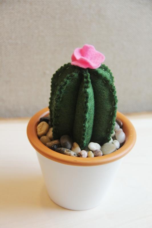 Felt Flowering Cactus on craftystaci.com
