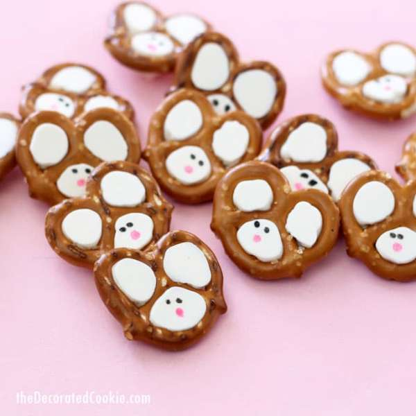Easy Easter Bunny Pretzels from The Decorated Cookie