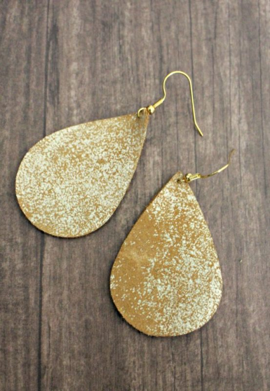 DIY Leather Earrings from Southernly Splendid