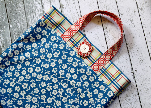 Fat Quarter Tote from The Cottage Mama