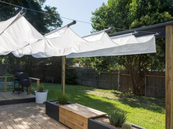 Retractable Canopy from HGTV