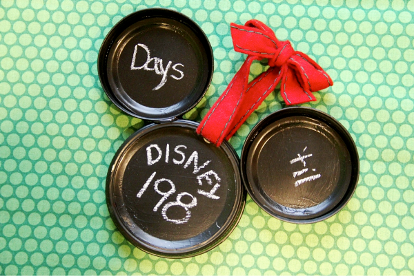 Mickey Mason Jar Lid Ornament from craftystaci.com #disneycrafts #disneycountdown