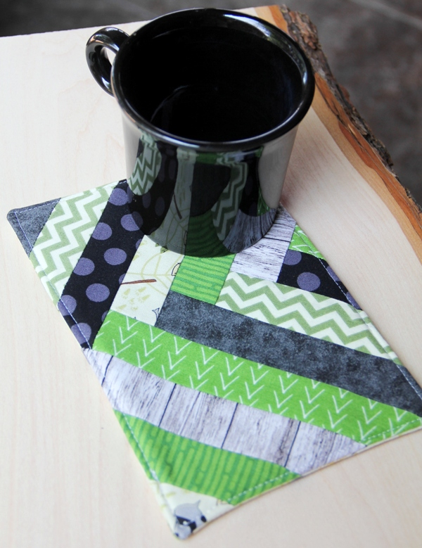 Sewing tutorial: French braid patchwork mug mat