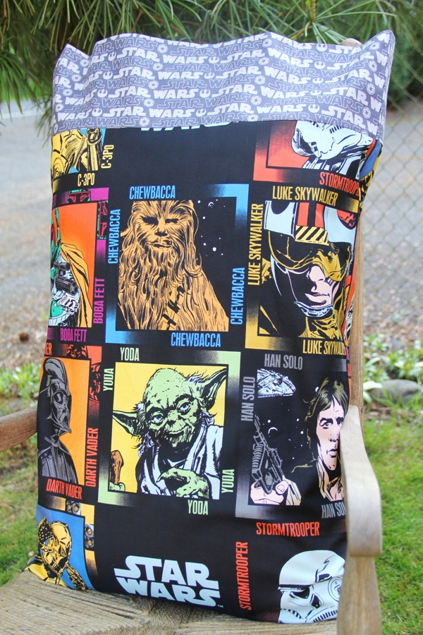 Star Wars Pillowcase - Crafty Staci for Undercover Tourist