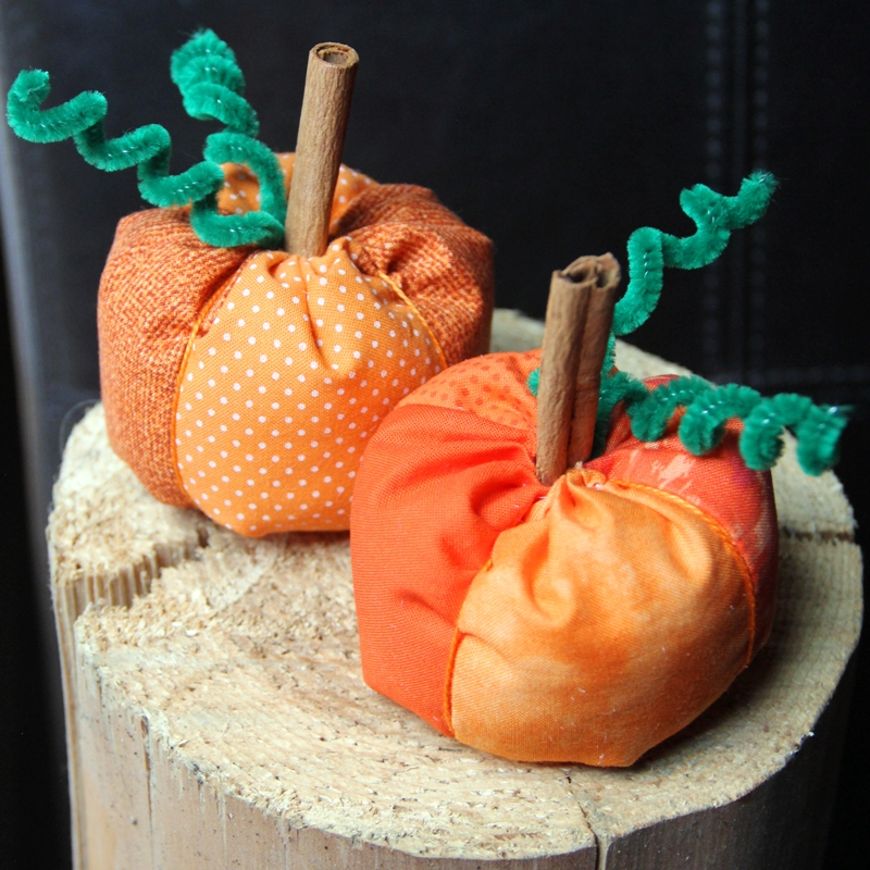 Stuffed Mini Pumpkins from craftystaci.com
