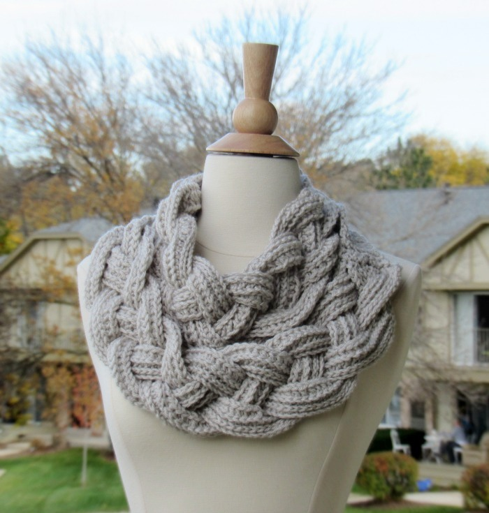 Double Layered Braided Cowl from My Hobby is Crochet