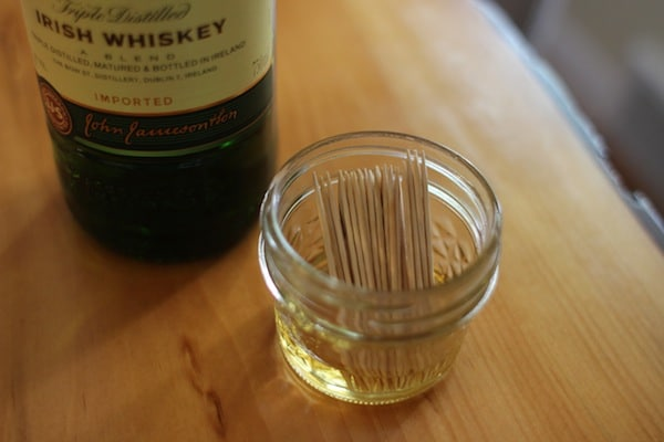 DIY Flavored Toothpicks from The Art of Manliness