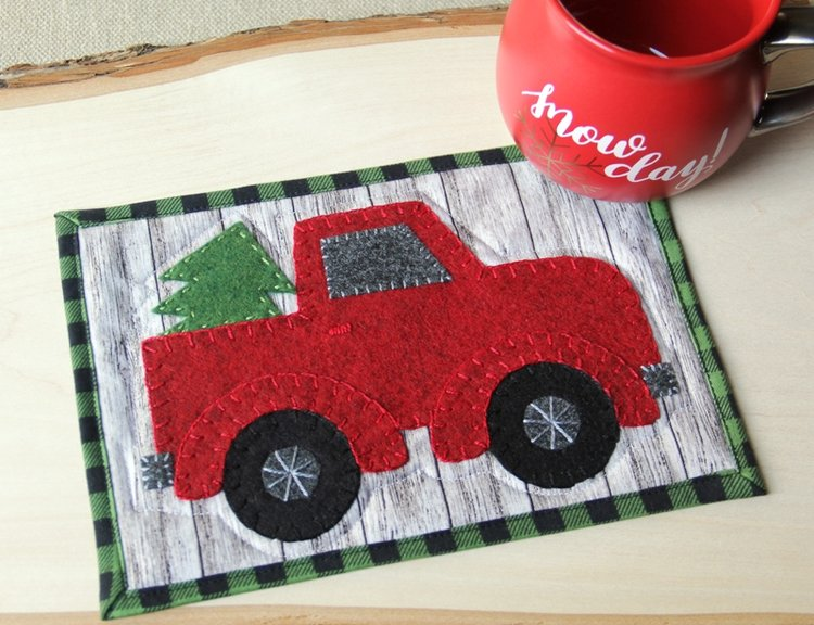 Sewing tutorial: Red truck Christmas mug mat