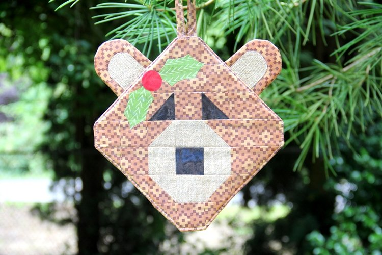 Sewing tutorial: Patchwork bear ornament you can hang outside