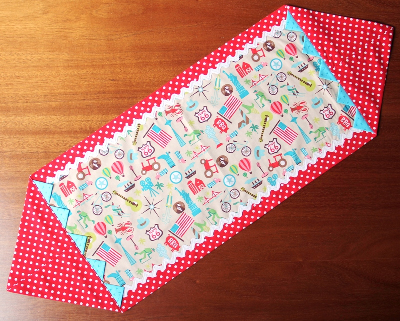 Quick Table Runner from Crafty Staci