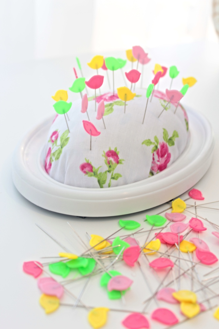 Picture Frame Pincushion from Easy Peasy Creative