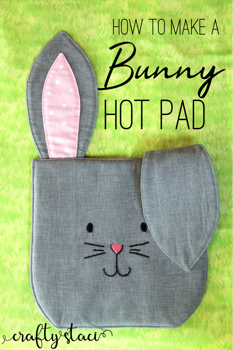 How to make a bunny hotpad from craftystaci.com #eastersewing #easterdecor #bunnysewing #rabbitsewing