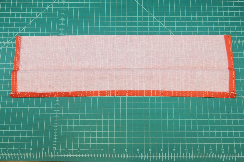 Unfold waistband for apron with secret pockets