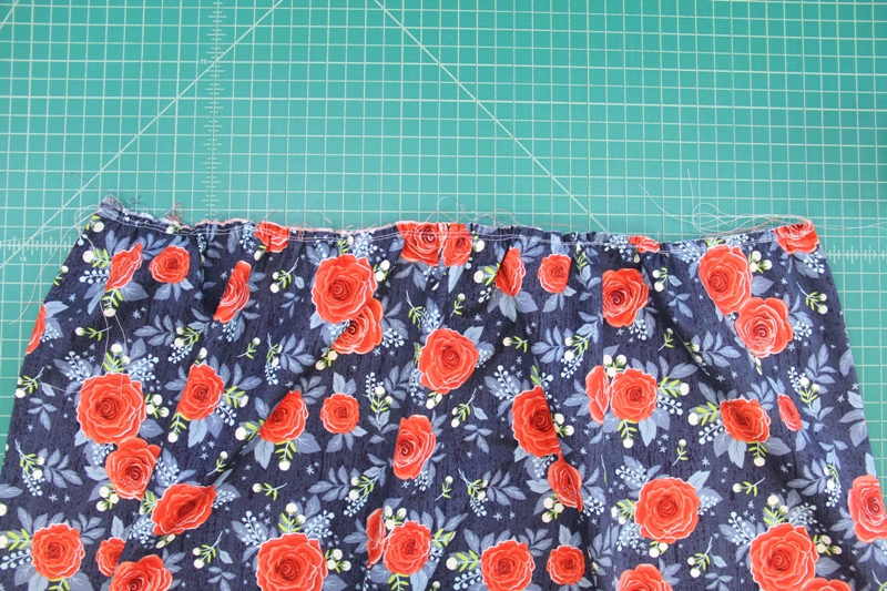 Gather top of skirt for apron with secret pockets