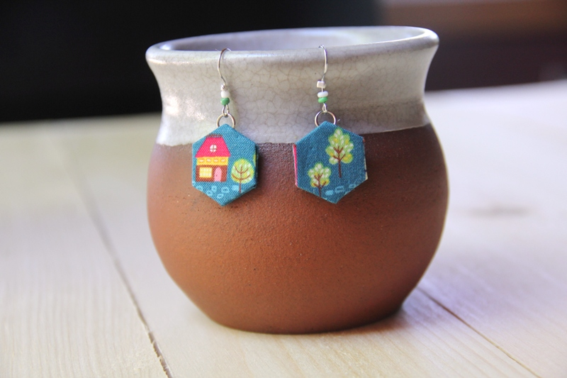 No-Sew Fabric Hexie Earrings from craftystaci.com