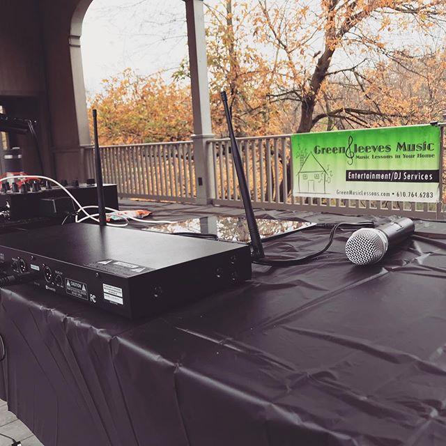 Back in Kennett this morning to MC & DJ the KEF Monster Mash 5K 👹 #monstermash5k #kennetteducationfoundation #kennettsquare #greensleevesmusic #dj #mc