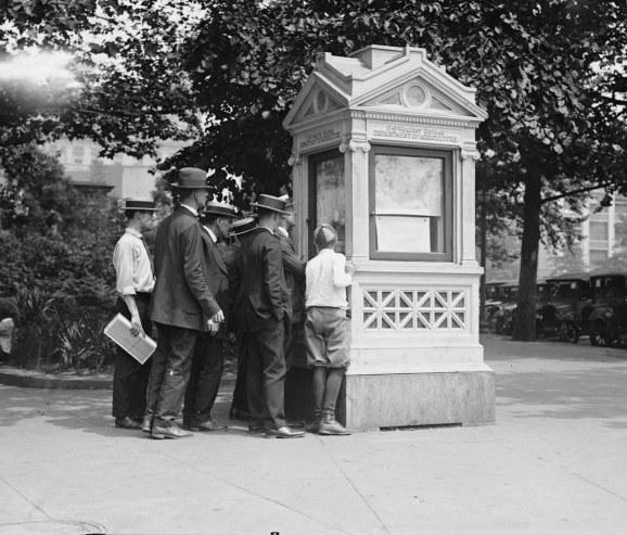 1923 WB kiosk from ebay IMTgallery.jpg
